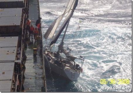 Resgate da tripulação do Ilikai - Foto © popa.com.br