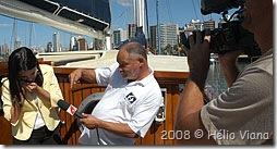 Maguila dando uma de repórter - Foto © Hélio Viana