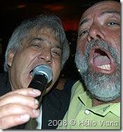 Hélio, o cantor com a estrela - Foto © Hélio Viana