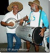 O Luis da provincia de Buenos Aires e Hélio da proviciana John People - Foto © Mara Blumer
