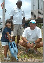 Juju (filha de Torpedinho), Seu Hélio e Gusmão - Foto © Hélio Viana