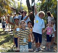 Miroca e as criancas - Foto © Hélio Viana
