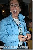 A alegria de Gina ao ser sorteada - Foto © Hélio Viana