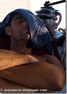 Mauro numa soneca no Pajé © pajeporai.blogspot.com