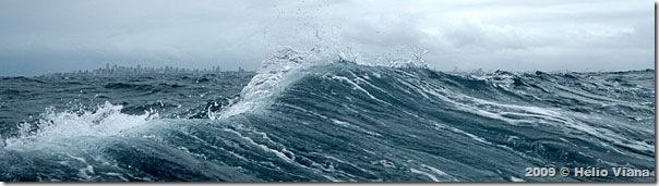 Chegando em Salvador o mar estava grosso - Foto © Hélio Viana