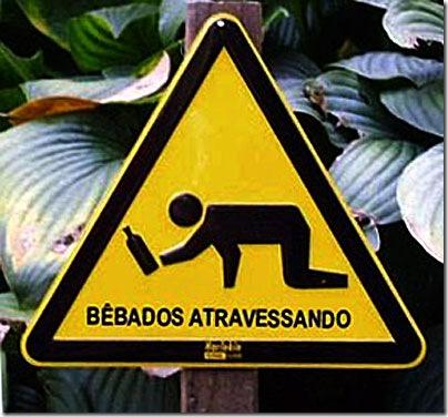 Placa em português