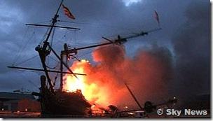 Prins Willem em chamas na Holanda - Foto © Sky News