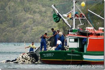 Pescadores na Ilha Grande - Foto © Hélio Viana