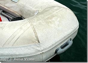 Proa do bote - Foto © Hélio Viana