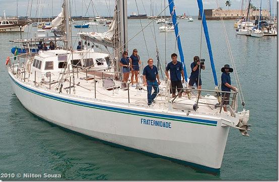 Aleixo e tripulação chegando ao 2º Distrito Naval