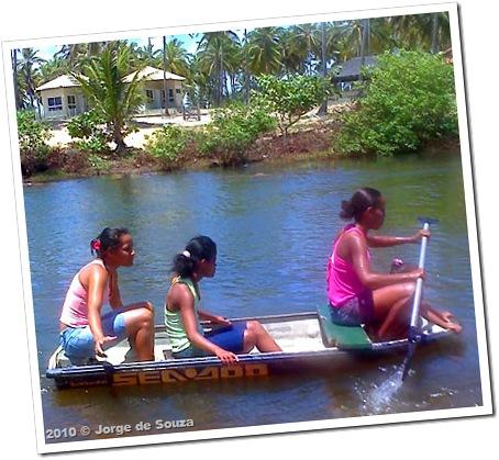 Na Bahia, até jet-sky vira canoa