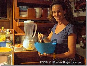 Paula na cozinha do Pajé