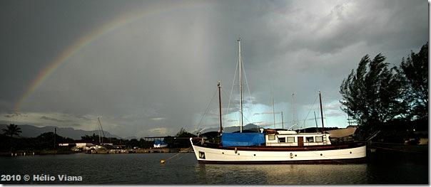 O trawler Ferrara na Marina Bracuhy