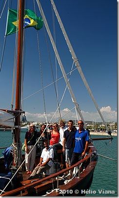Comitê de recepção com a tripulação em Vilanova