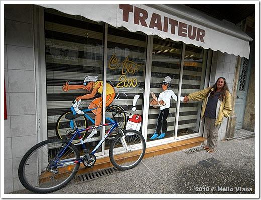 Mara faz pose em Louchon, um barneário francês