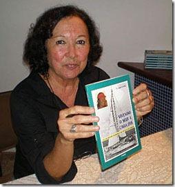 Lia no lançamento do livro em Salvador